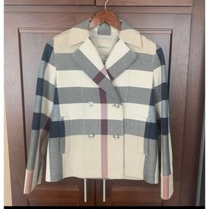 Like New Lady Burberry short Coat Sz.Small